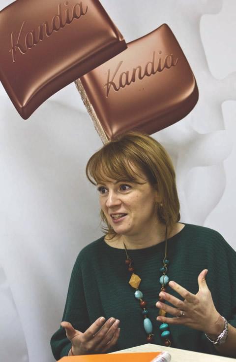 """""""Kandia e o poveste românească frumoasă, cu gust diferit de toate celelalte mărci  din piaţă"""",  spune Gabriela Munteanu, directorul de marketing """"Kandia Dulce""""."""